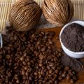 Easy body scrub coffee brings 5 beauty tips